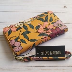 Steve Madden Zip Around Wallet